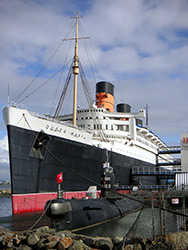 Russian B-427 alongside the Queen Mary by Vic Wild